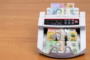 Practical Bookkeeping & Business Tips to Trim Your Overhead Expenses.